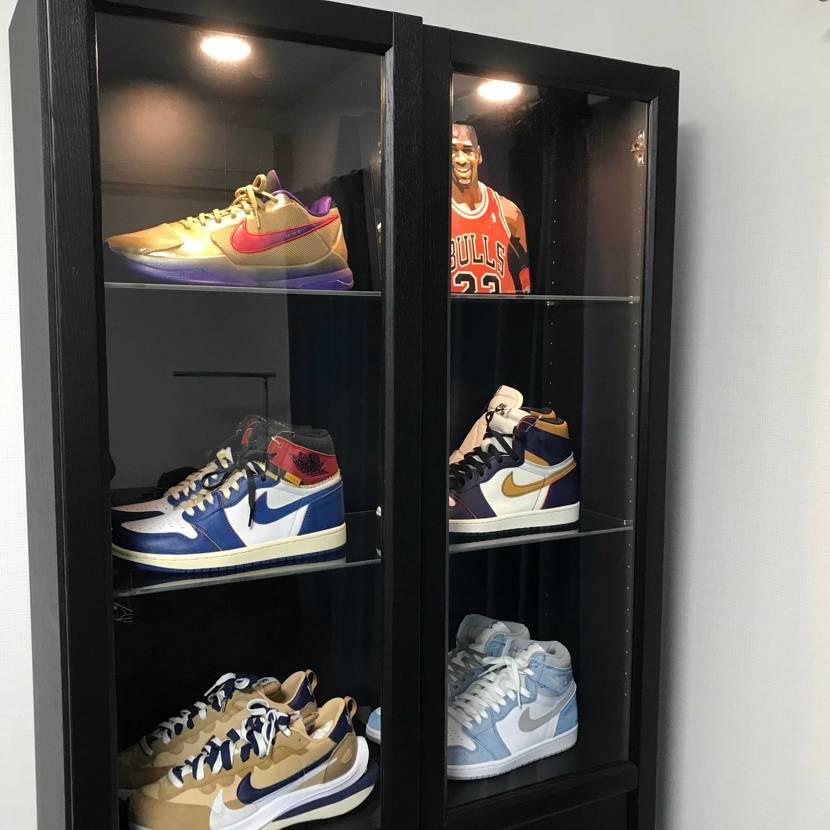 壁一面にお気に入りの靴を飾るのが夢でしたが、そんなスペースもないため、お気に入り