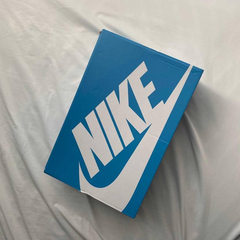 箱が青って可愛いですね。取説みたいなのが箱に書いてるのもなかなか可愛い、ただ今の