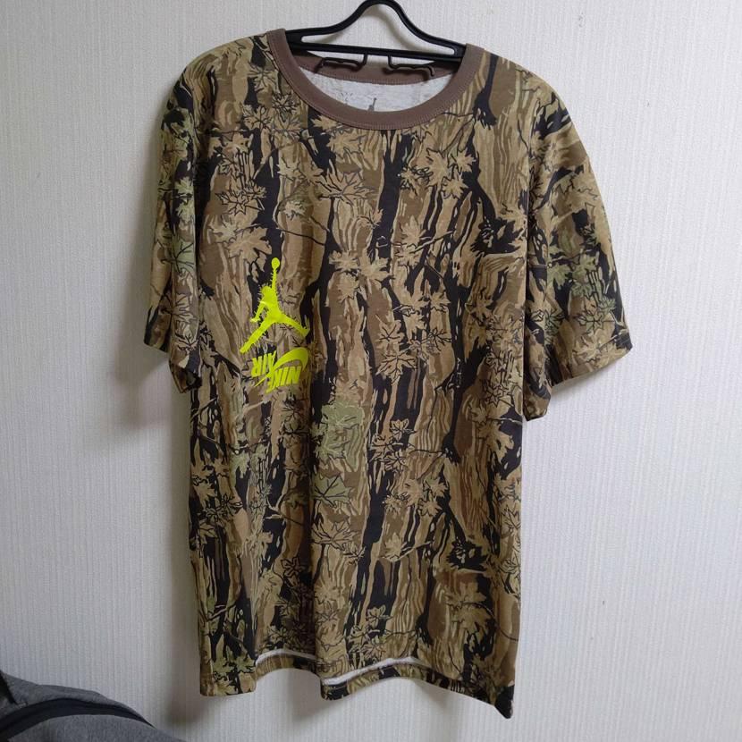 2ヶ月以上前に注文したトラビスのTシャツやっと届いた😄スニーカーはGET出来なか
