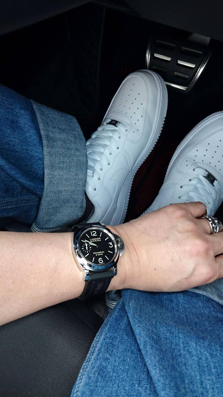 おろしたての時計と 真っ白なAF1をお供にドライブぅ(*´∀`)