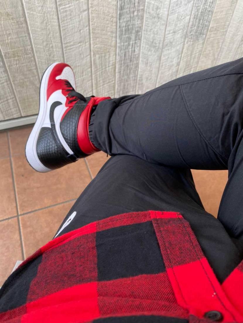 AIR JORDAN 1 HIGH OG SATIN RED