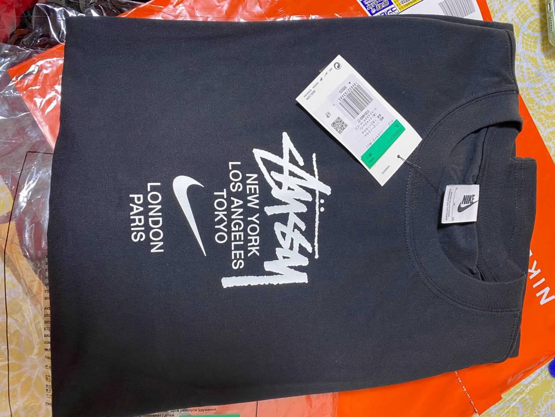 Nike x stussy 黒 T shirt 購入したんですけど、サイズ間違え