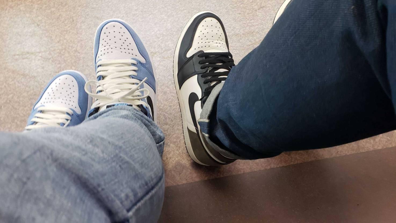 嫁さんとAJ1履いて出掛けられるの嬉しいでごわす 中々スニーカー一緒に履いてくれ