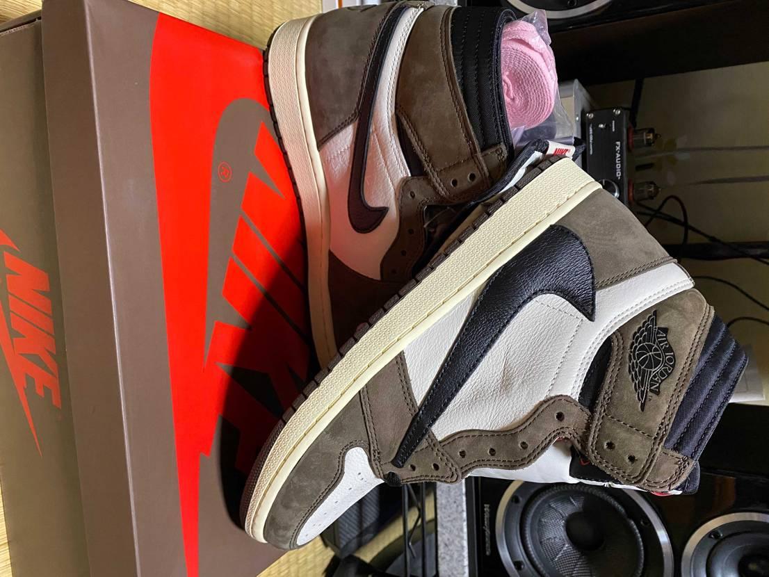 前から欲しいと思っていた靴を手にする時が来るなんて、、 写真で見るより実物の方