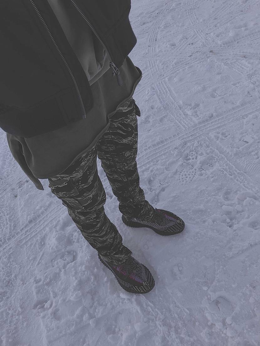 去年の冬と今年の夏。 履くたびに愛着が湧く一足ですね👍 #adidas #y