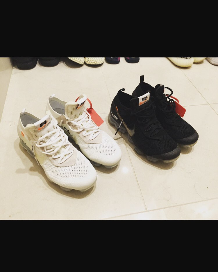 2colors🔥🔥🔥   黒はスニダン、白はWORM TOKYOで購入👍