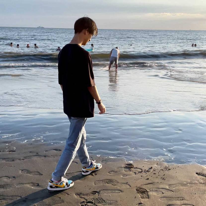 海辺でも映えるマイチャンキー🐄 明日のパラ欲しいなぁ〜 スケショ抽選全滅やっ