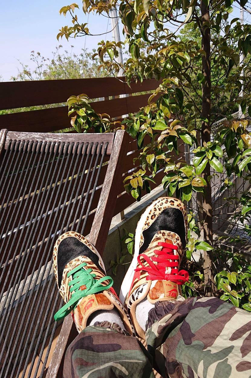 せっかくの晴天ですが、外出自粛のため自宅のウッドデッキで娘と遊んでます。 ウッド