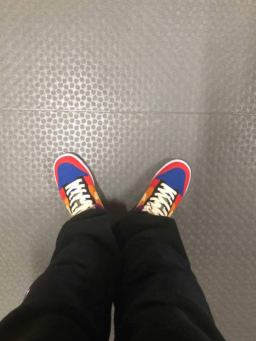 最近よく履きがち😊   よく履くスニーカー偏りますよね、、、