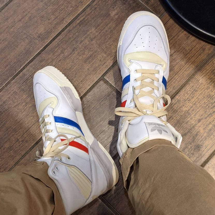 今日はライバルリー!🇫🇷 フランス建国記念日ってことで〜  adidasの3スト
