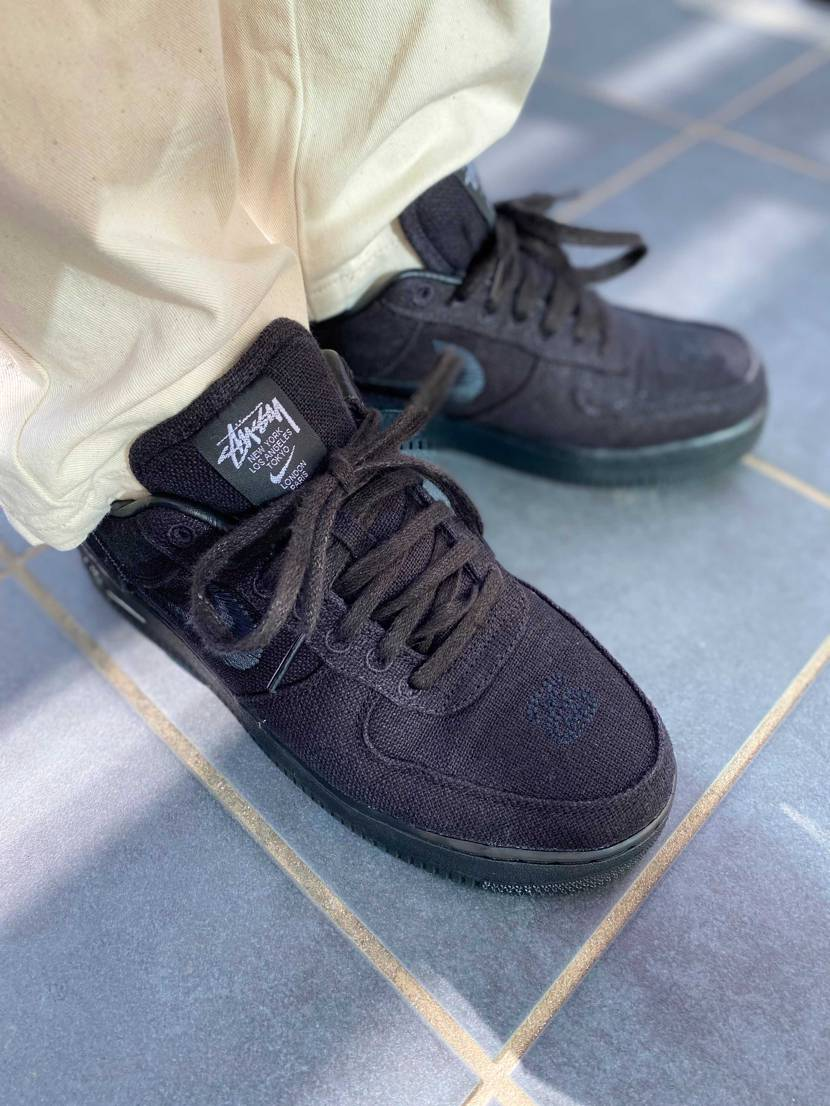 そう言えば真っ黒の靴1つも持ってないなぁ〜? と思った時にSTUSSYから31