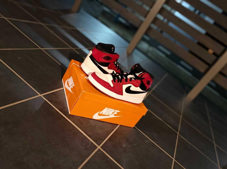 AJKOができた理由がマイケルジョーダンに憧れて同じ靴を履きたいと思ってる子供に