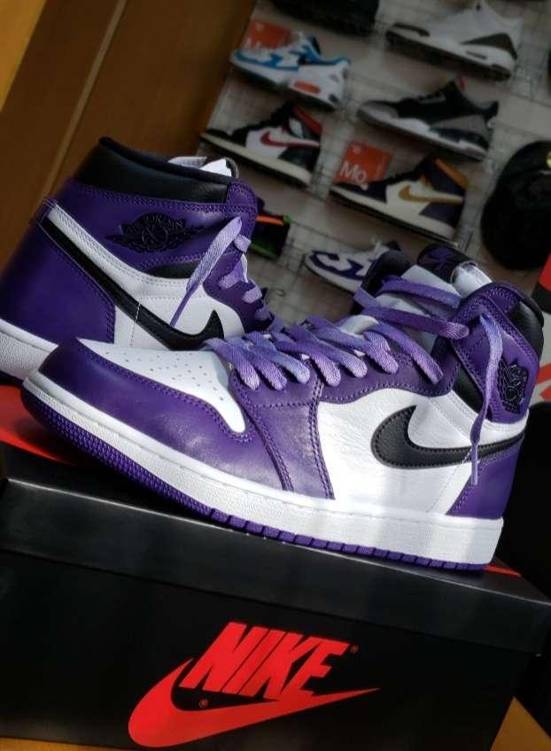 やっぱ紫いいな!! 付属のシューレースも良い感じ👍