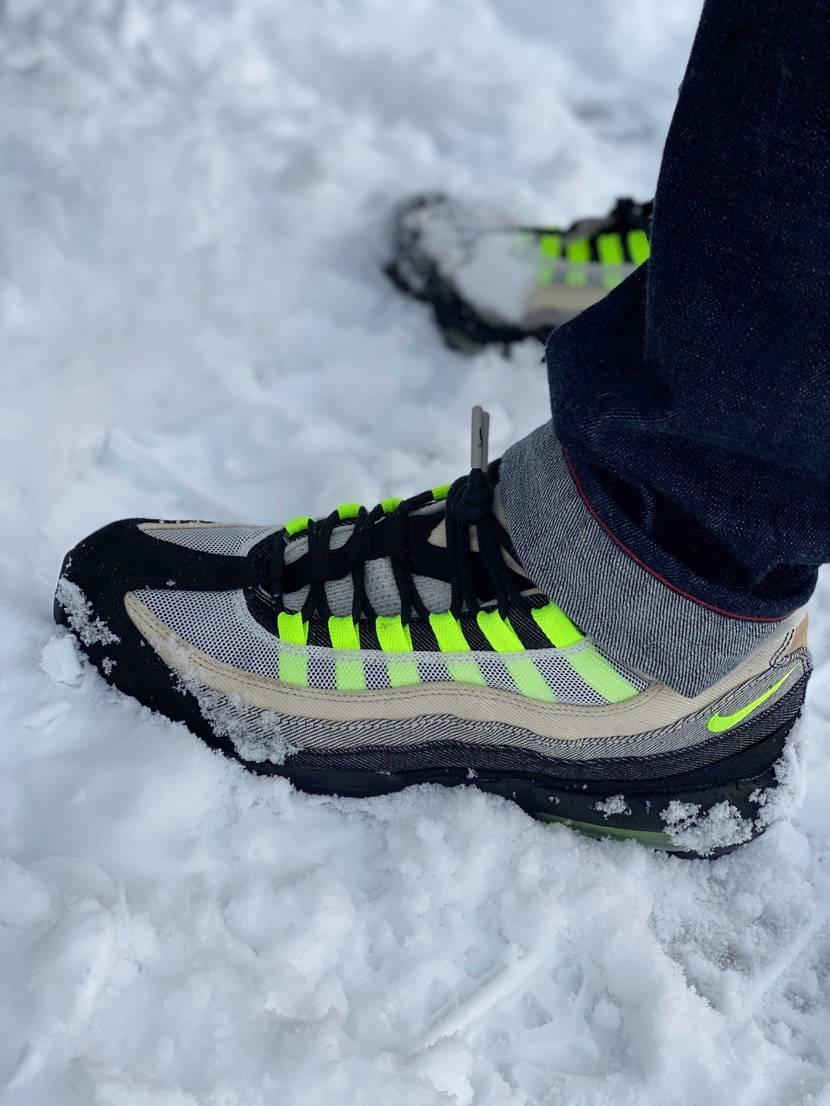 今年最後のスニーカー履きは雪積もってもお気に入りのエアマックス95 DENHAM