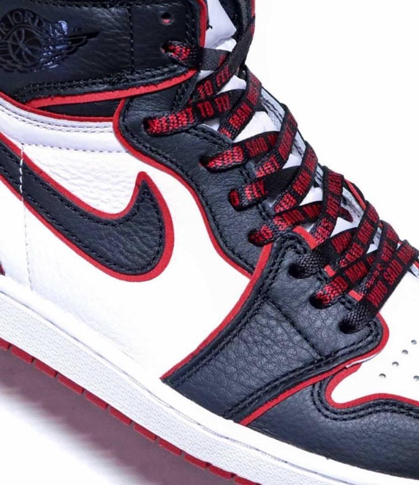 付属の靴紐かな?メチャカッコいい✨