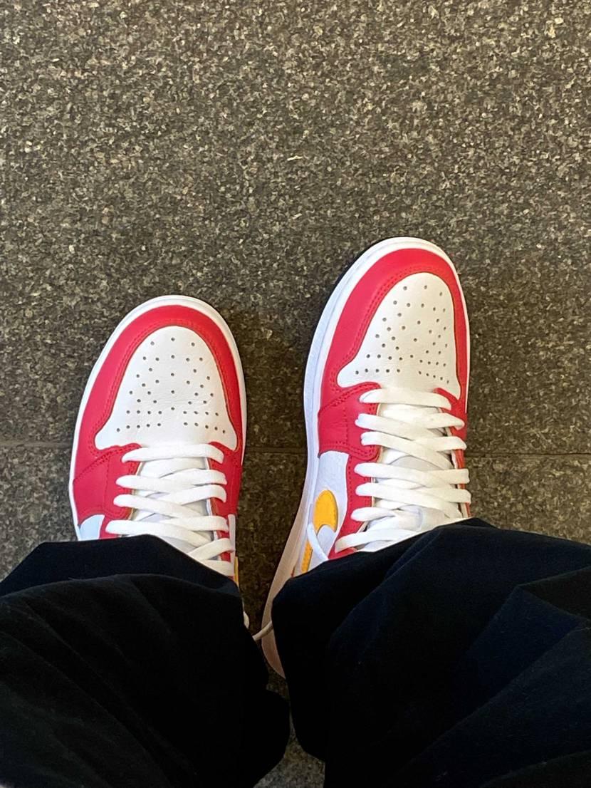 今日のスニーカーは、 Nike Air Jordan 1 Retro High