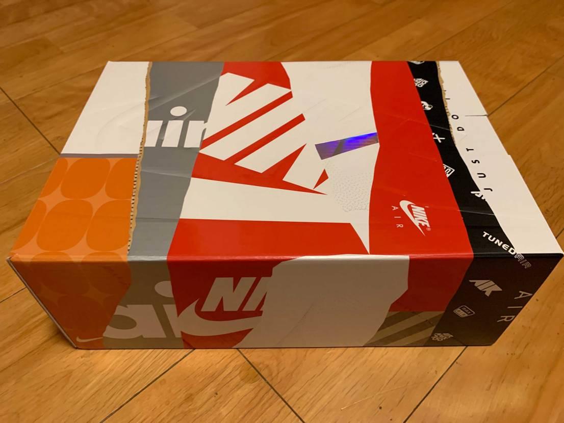 箱も最高ですね!サイズ感が分からずで試着したかった1足!NIKE原宿で試着して買