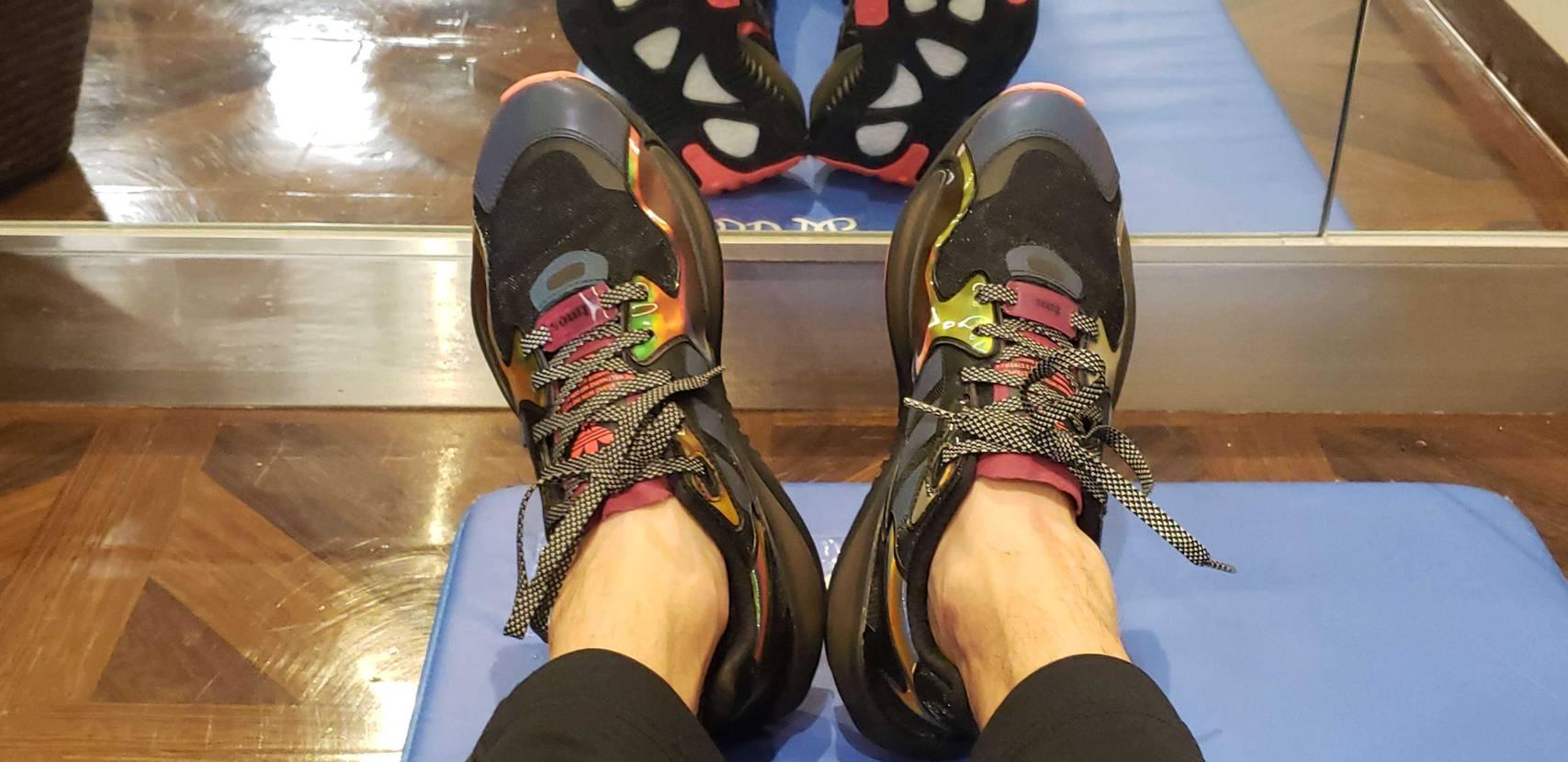 実物めちゃかっこいいです。 #adidas #atmos #スニーカー #アディ