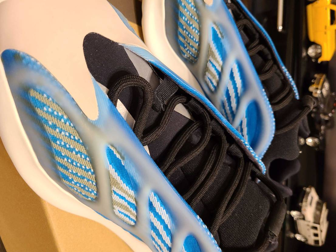 "#adidas YEEZY 700 V3 ""ARZARETH"" #アディダス イ"