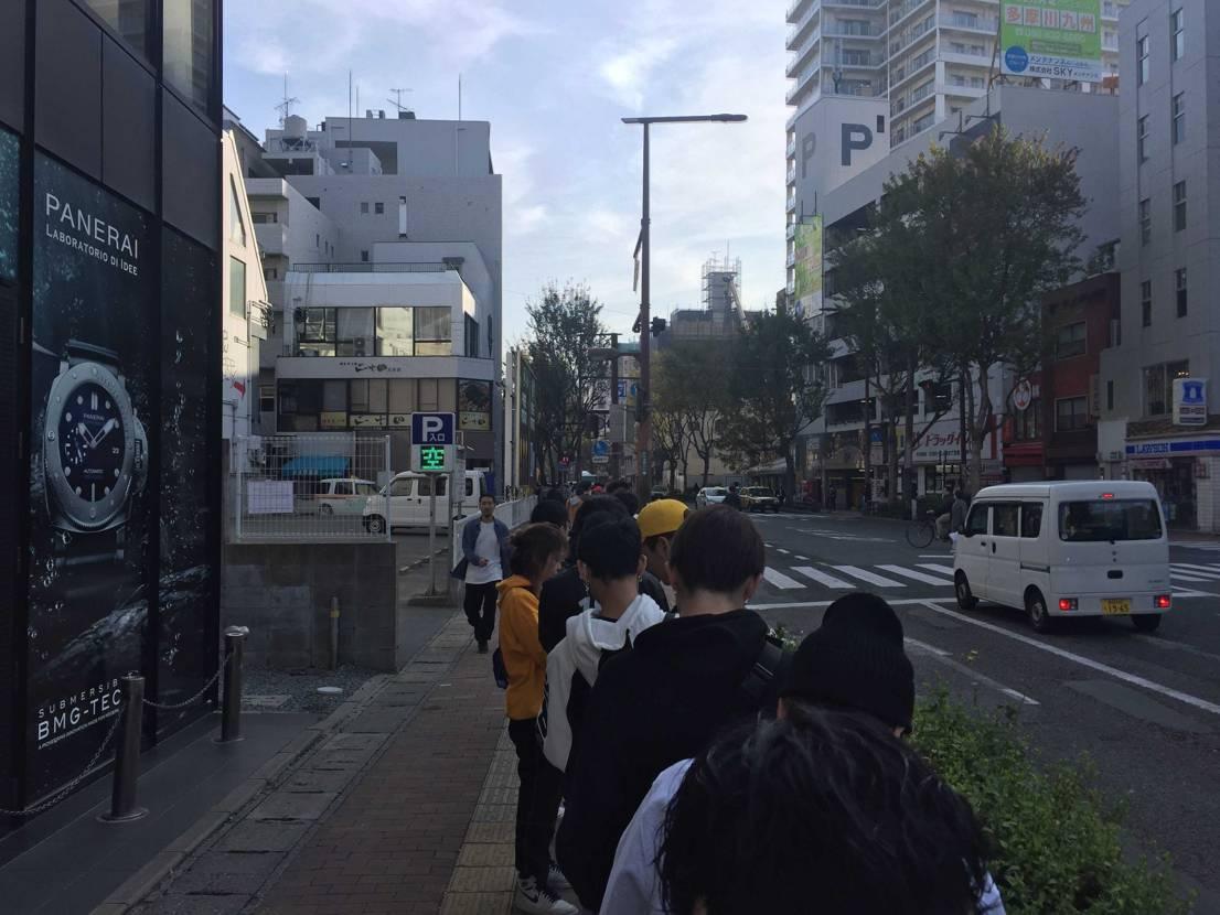 uptown 福岡へ 300人以上かな。狭き門ですね。  当たりは23番ま