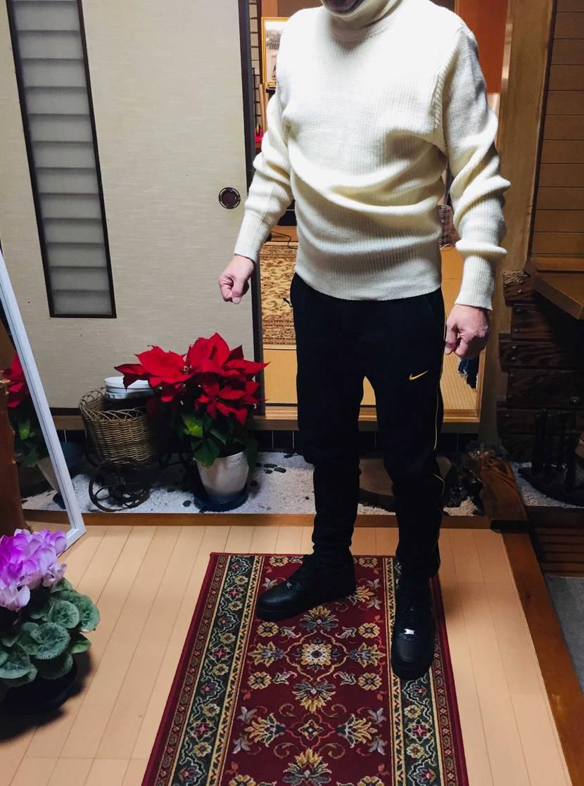 親父への 誕生日プレゼント🎁  スニーカーは色違い、パンツは同じ色でお揃いで