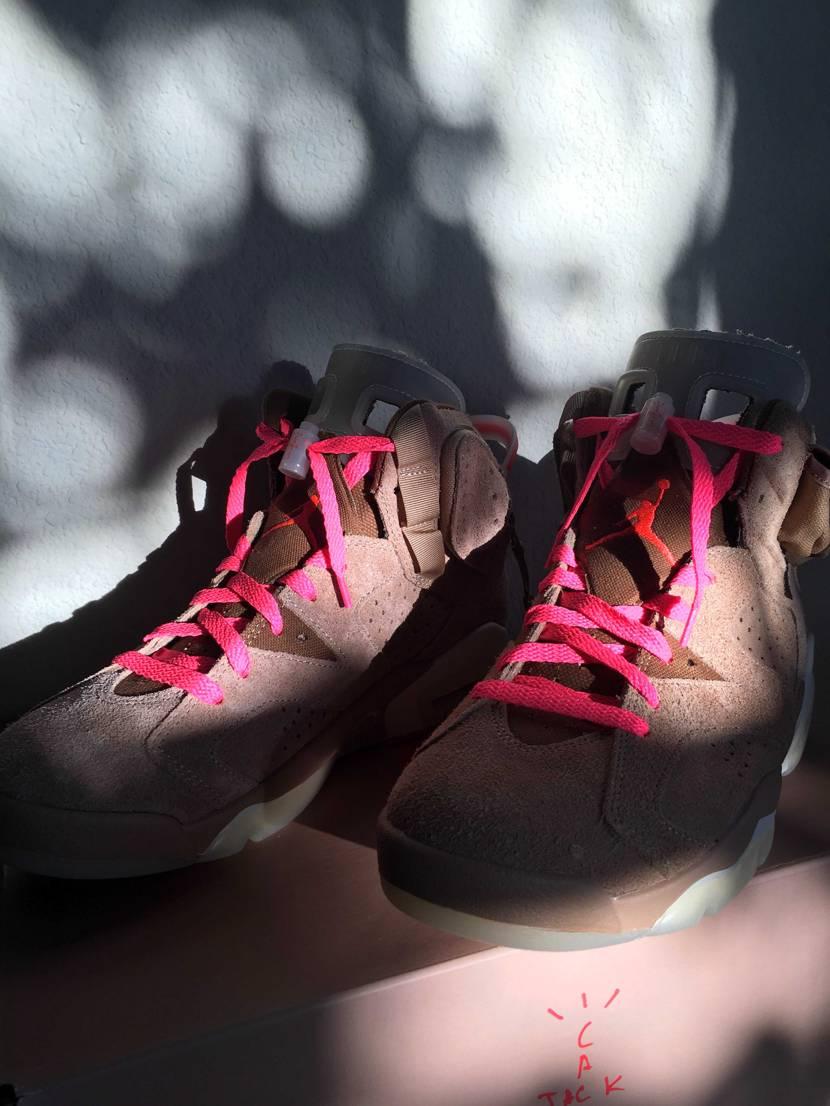 ビビットピンクの靴紐に替えてみました👅靴紐の主張が凄い💡