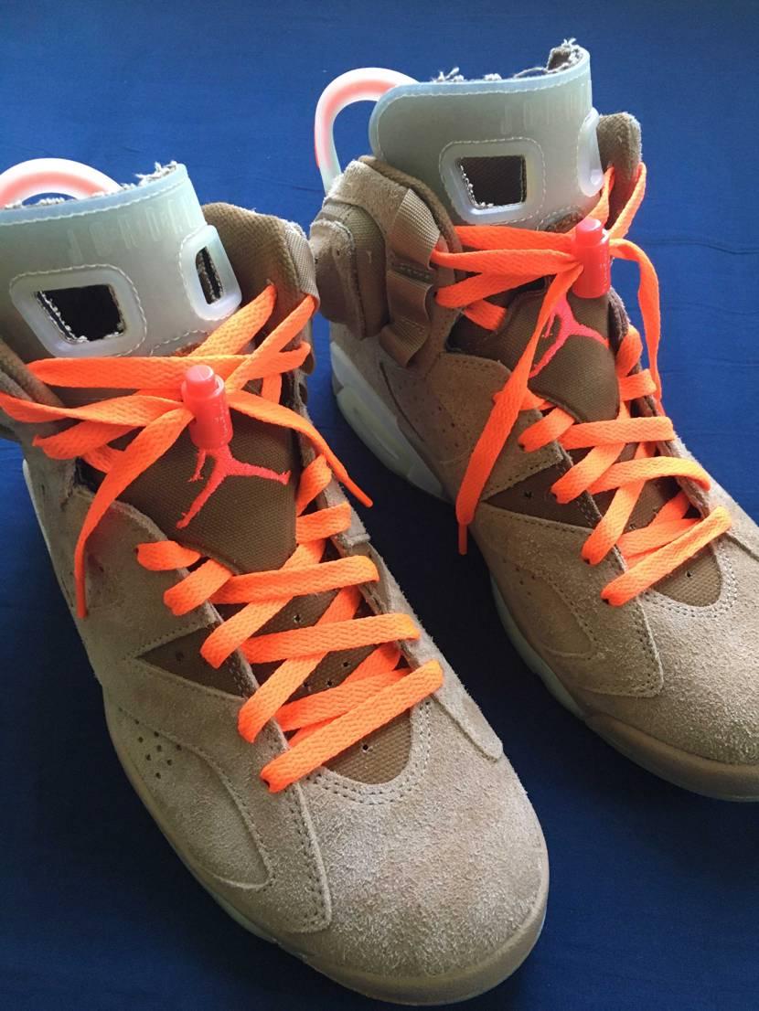 ネオンオレンジの靴紐バージョン🟠パーツの色と一緒を期待したけど一緒にならず。。ま