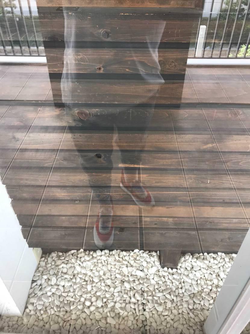 ガラスの少年時代をー  アンカバ赤初おろしー 皆さんがいうように履きやすい