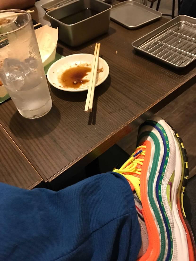 大須ーー で飲んでしまっています スニーカーショップ行く前に酔っちゃった