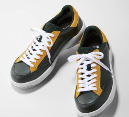 みんなお世話になってるヤマト運輸の靴欲しいwww  あ、UNIQLOとコラボ