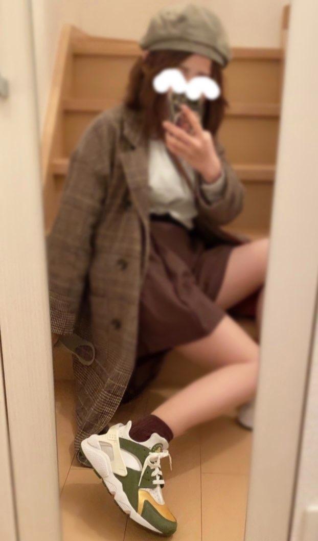 昔まではストリートファッションでしかスニーカー履かなかったのに、歳(?)のせいか