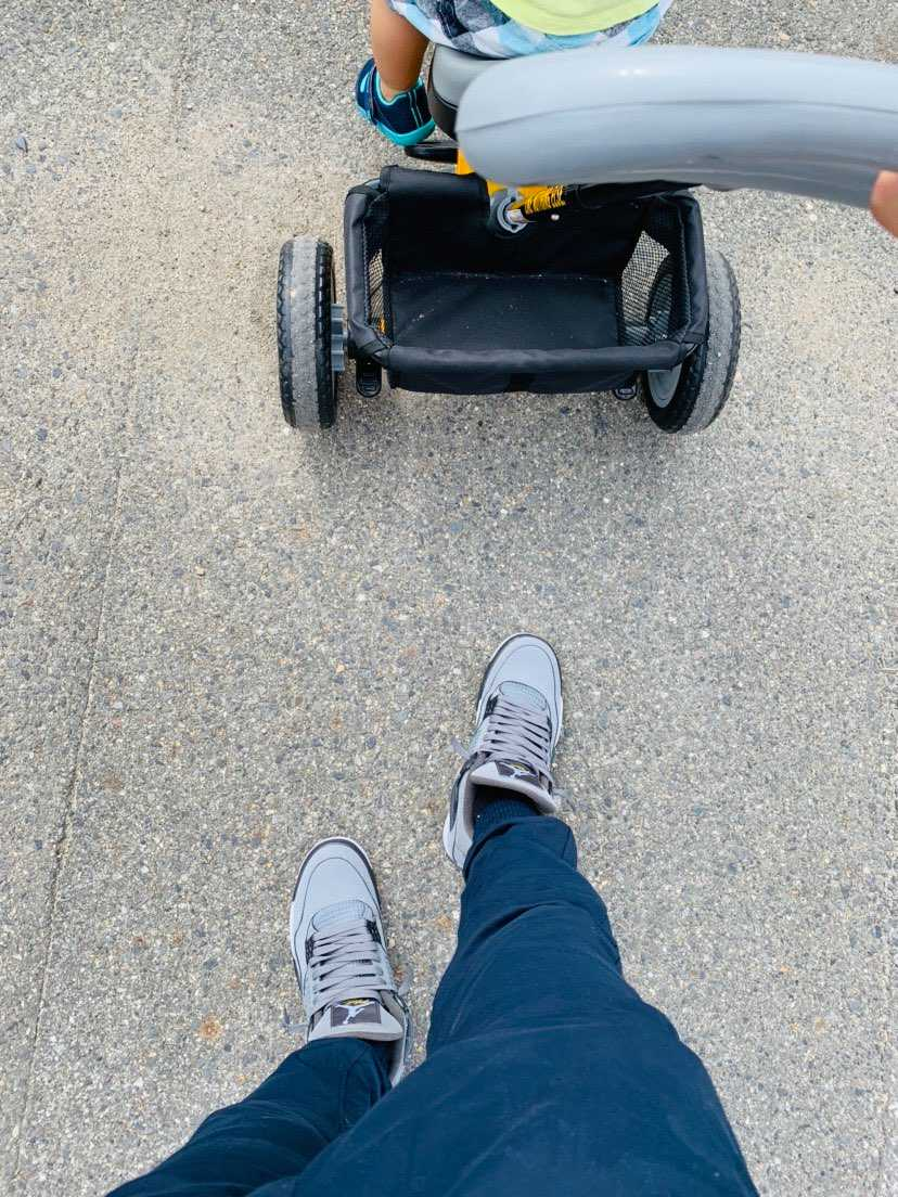 手押し三輪車で散歩! 近くのハウジングセンターで野菜もらって、タピオカミルクテ