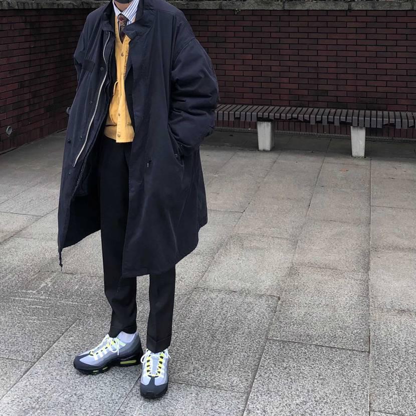 成人式でスーツに合わせてます! ジャケットの下にフィッシングベスト着ちゃう。