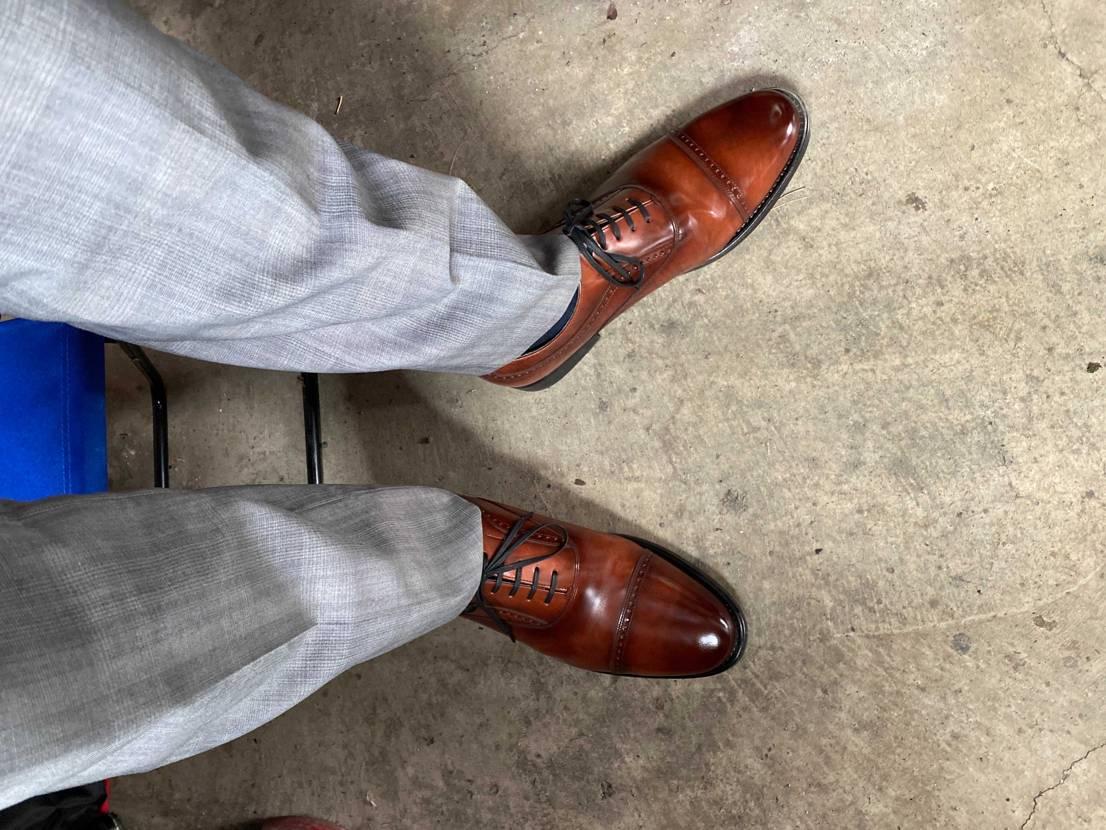 仕事でスニーカー履きたい😭 たまにはこんな姿を投稿します♪