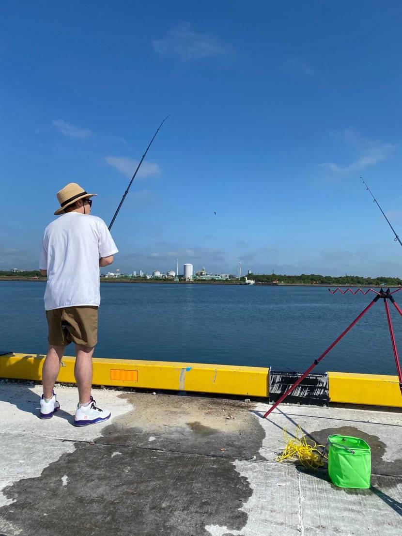 釣果報告🎣 カレイ4匹🥰  1日で日焼けやばいです。 変態ぽいですかね笑