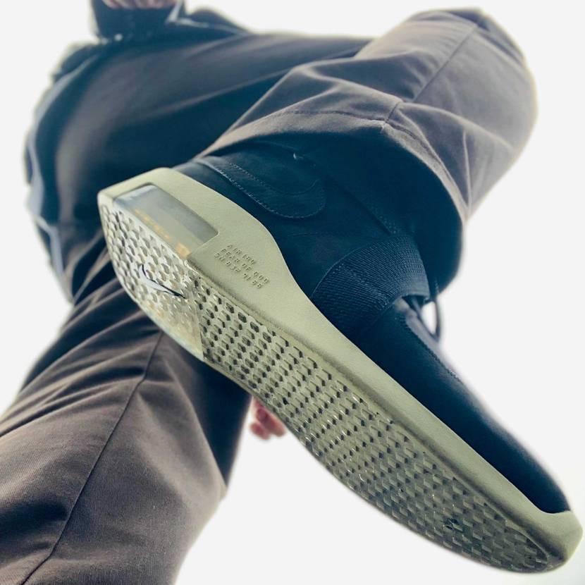 おはこんばんちは。 雨が続くと履きたいスニーカーも履けず辛いですね。