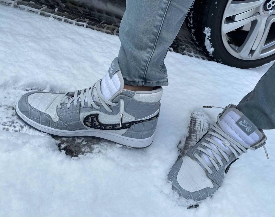 雪だぁ  寒い〜  シェルパに履き替えましたとさ  大丸、収穫無し。