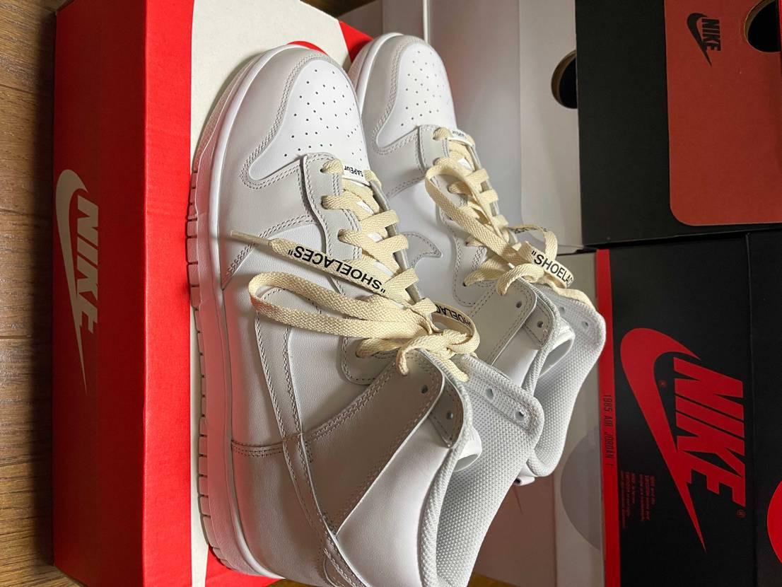 このカラーがシンプルで好き✨ジムに行く時の為に購入✌️ キックスロックの靴紐に