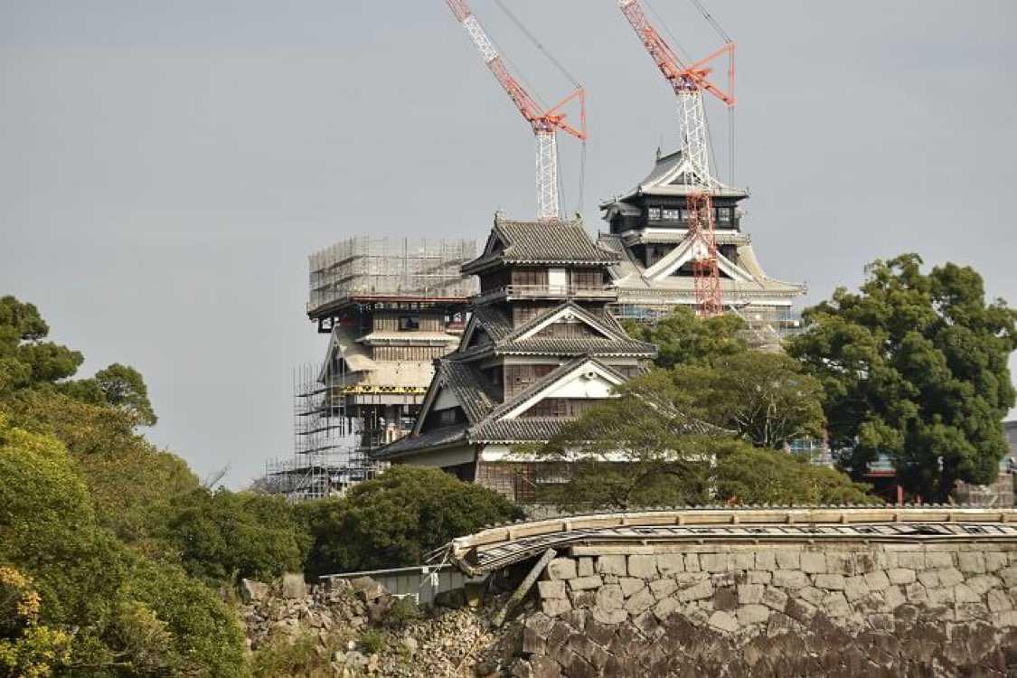 今日はスニーカーの話では無く申し訳ありません。  丁度、昨日で熊本地震から4