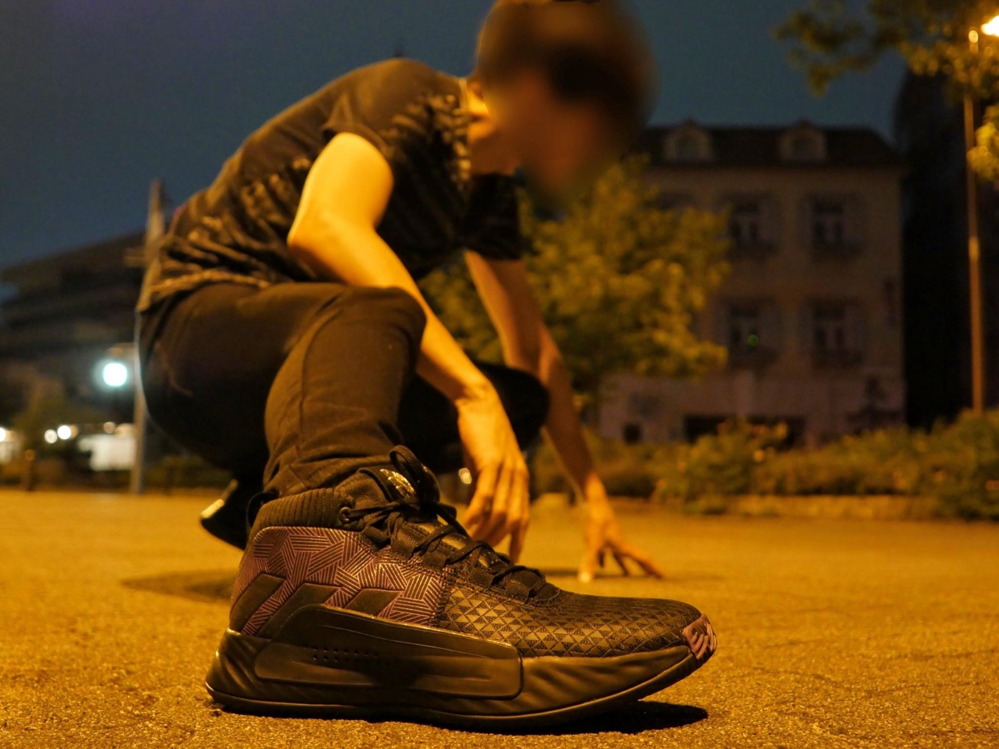 ADIDAS MARVEL BLACK PANTHER DAME5 コーデ ブラ