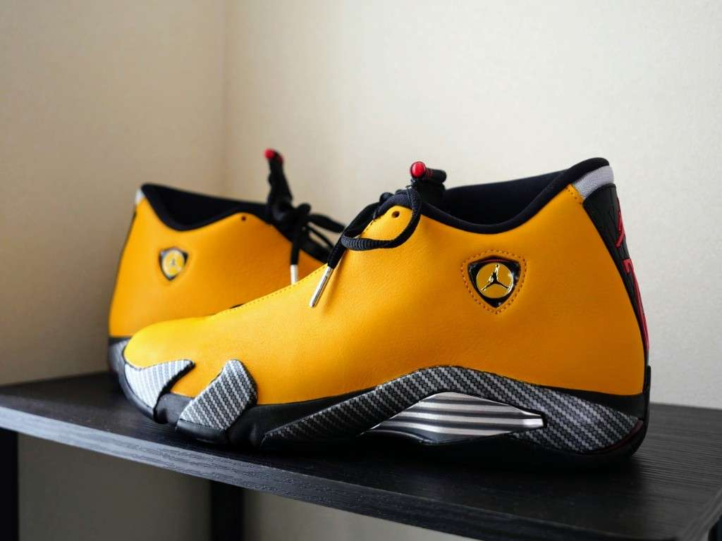NIKE AIR JORDAN 14 YELLOW FERRARI  届きました