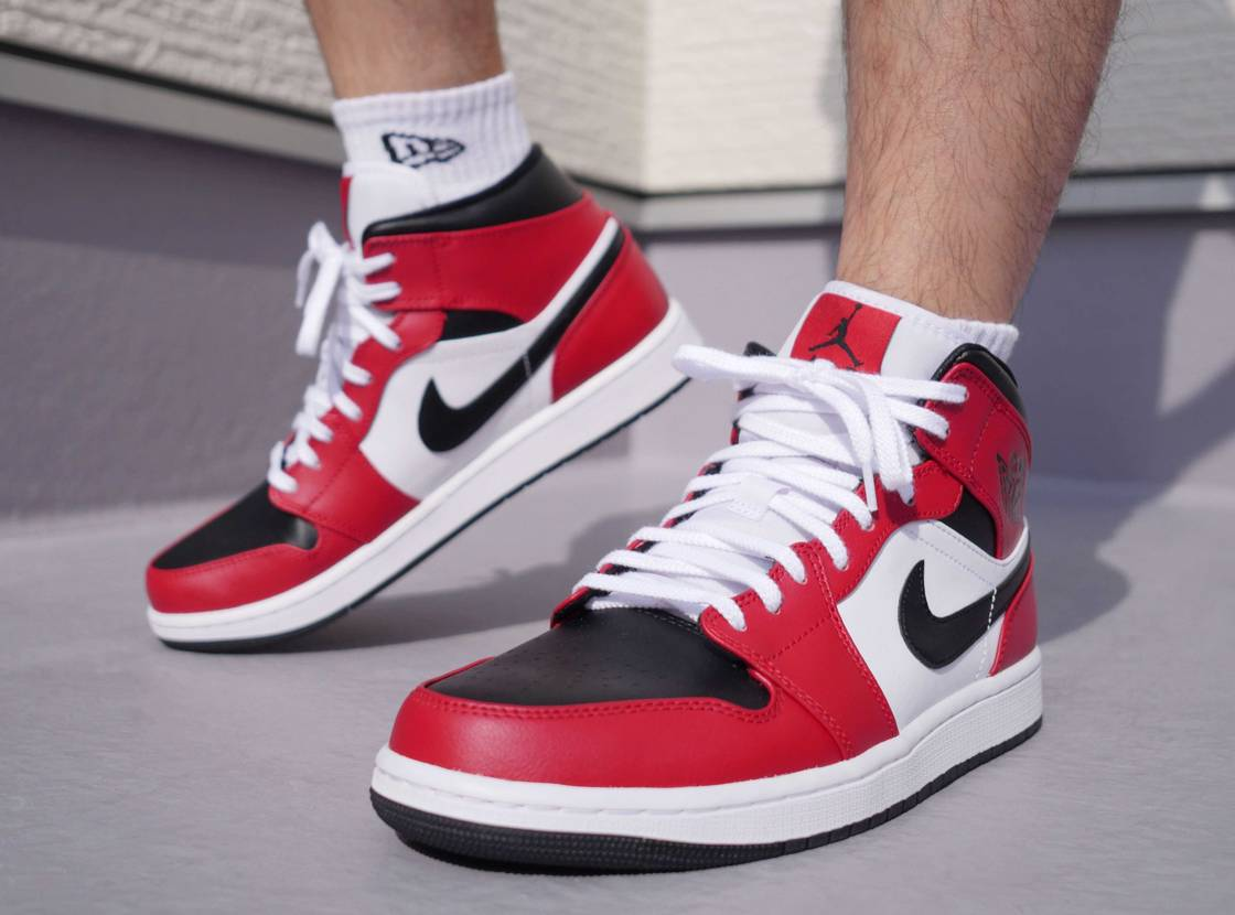 "NIKE AIR JORDAN 1 MID ""CHICAGO BLACK TOE"