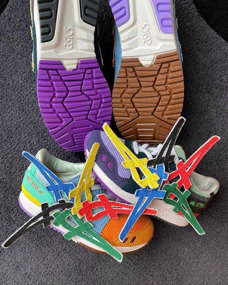 ノベルティの白ストライプって靴のサイズ毎にストライプの大きさも変わってくるのか🤔
