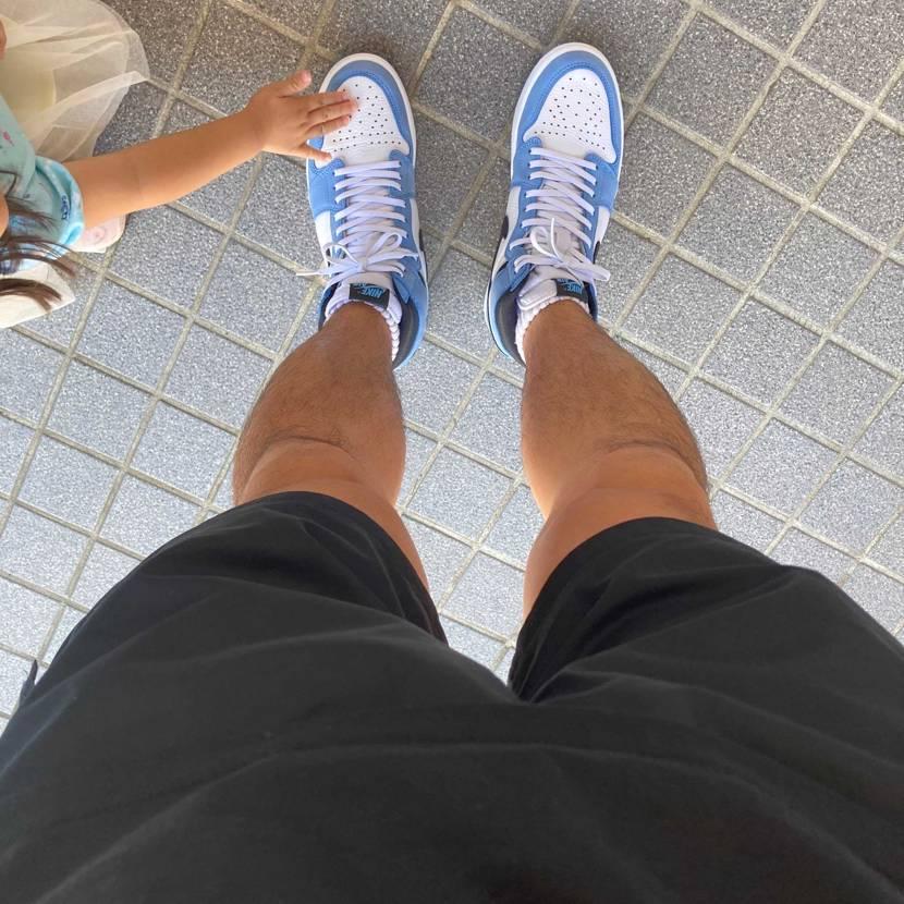 天気がめちゃ良いので我慢出来ずに初おろししちゃいました。  初めてAJ1履き