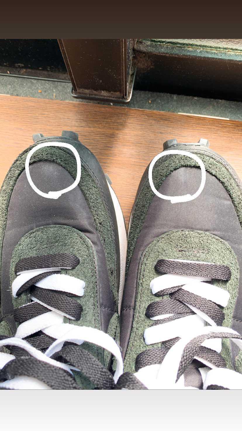 サカイ3rdの黒を履いてたら親指が当たる部分(白で囲ってある部分)の裏地が破れて