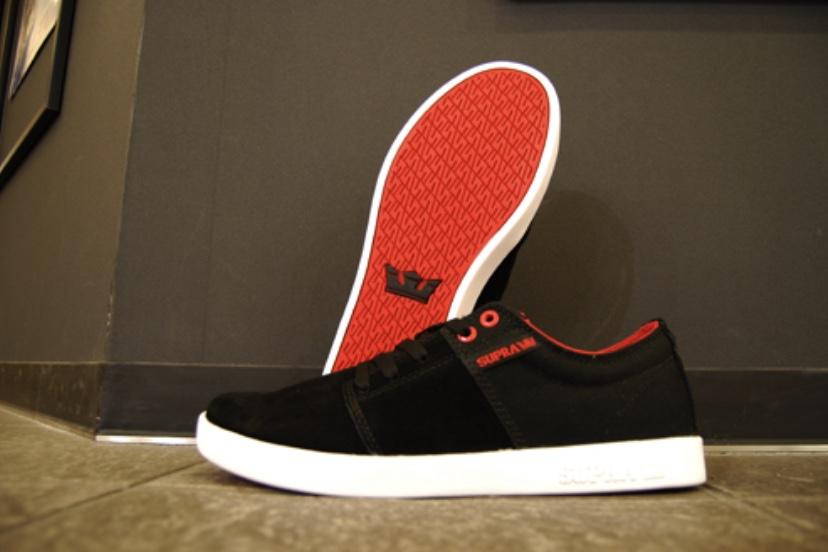 STACKS II BLACK/RED/WHITE