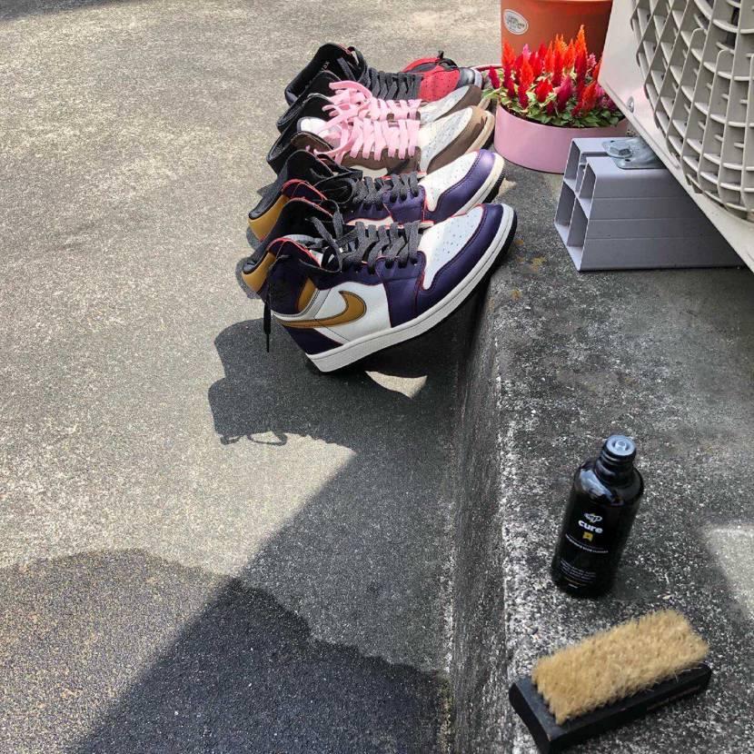 連休最終日なんで、連休のローテーションメンバーの靴底洗ってちょいと天日干し。