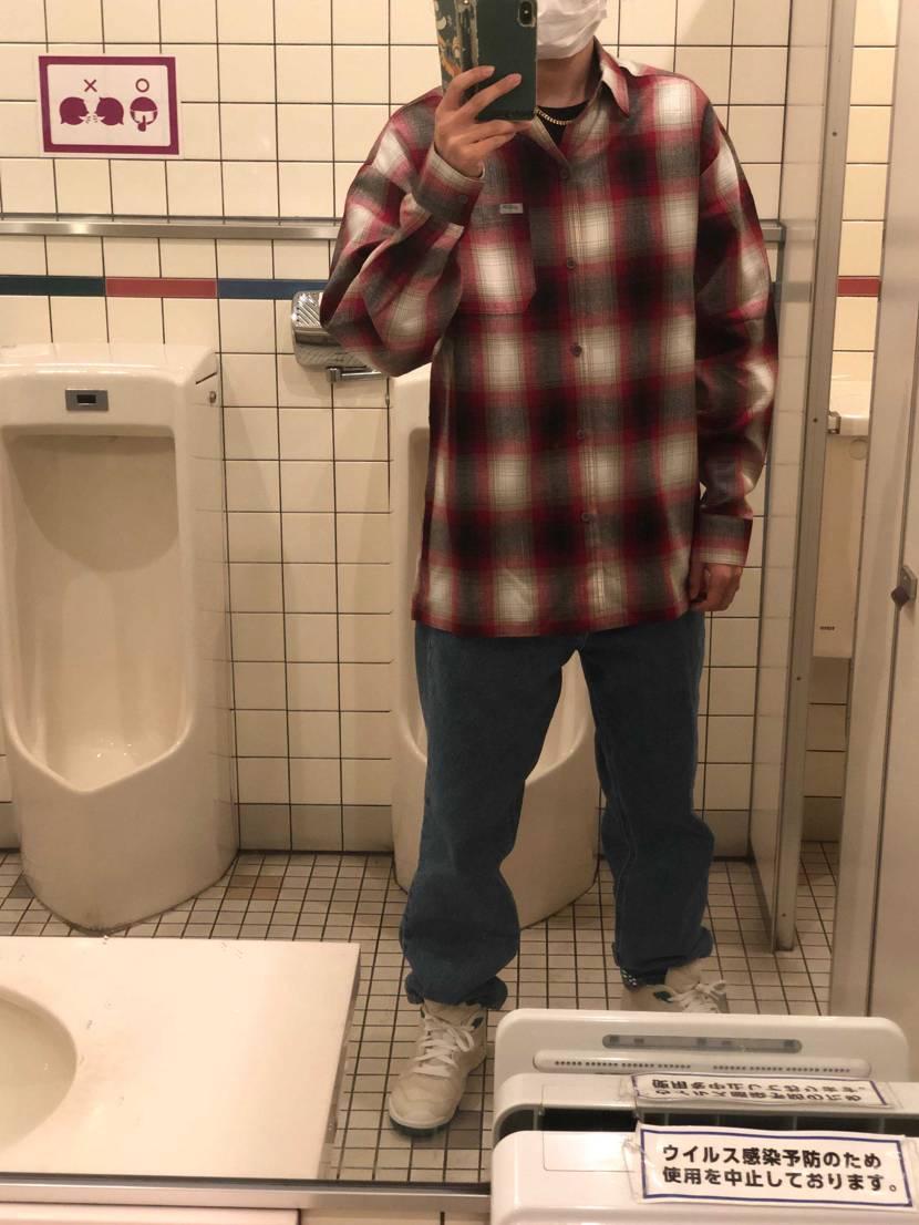 #トイレ自撮り 流行らそうかな笑笑  courtvictoryです この漂
