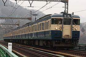 地元でずっと乗ってた電車になんかカラーリングが似てる、、、と思って懐かしさもあり