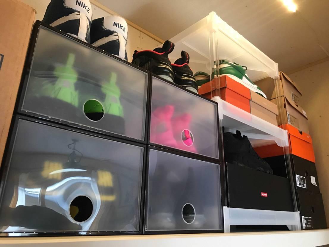 お部屋のクローゼットを更に改造して照明を付け、スニーカー達をダイソーのボックスに